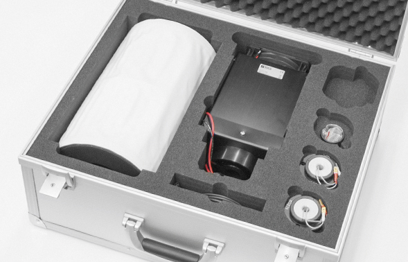 Brewer UV Stability Kit: lamp housing and spare lamps in transit case