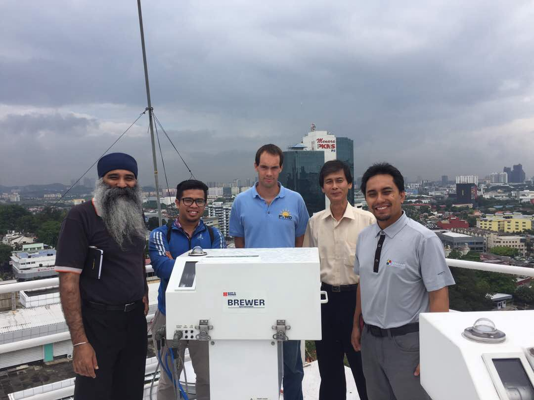Installation of new Brewer at Met Malaysia, Kuala Lumpur